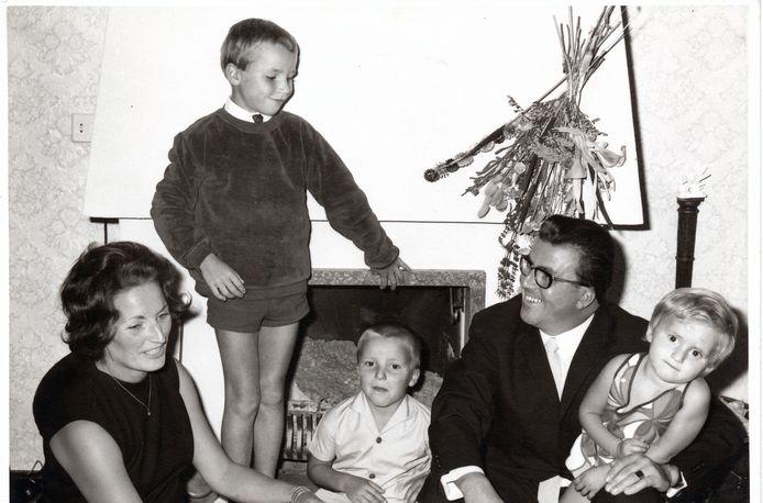 Wim en Ria Langens met hun drie kinderen Jan-Paul, Eugène en Françoise eind jaren zestig.