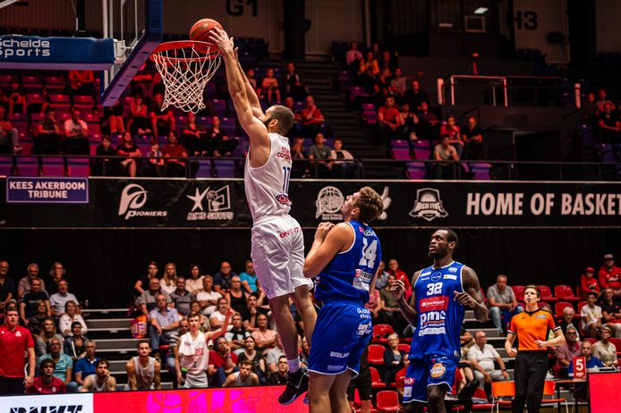 Heroes Den Bosch bleek een maatje te groot voor Mechelen.