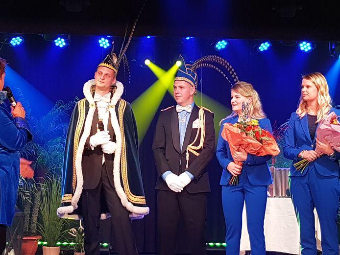 Prins Joost d'n Echte (links), adjunt Tom en hun partners.