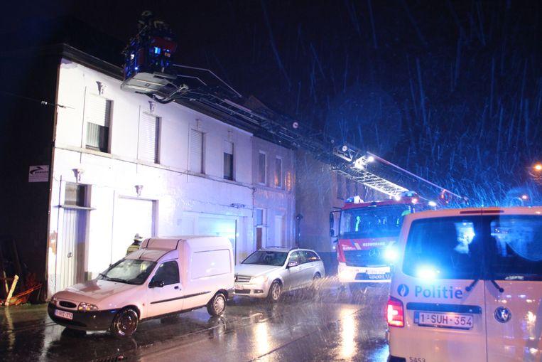 Door waterinsijpeling ontstond er zondagochtend een kortsluiting in een woning in Izegem.