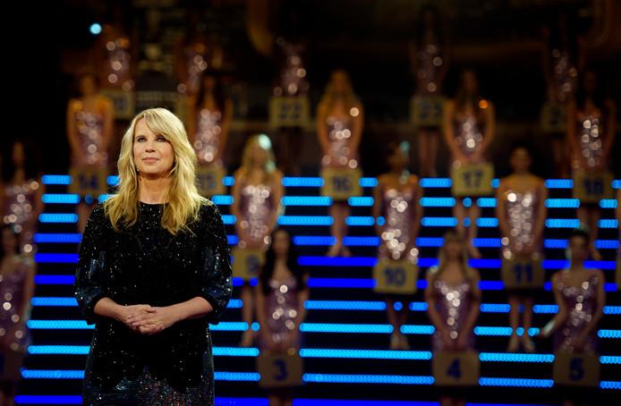 Linda in het decor van Miljoenenjacht