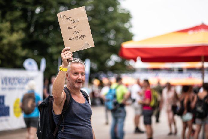 Vierdaagsewandelaars handelen op de Wedren in Nijmegen in starttijden. Foto ter illustratie.