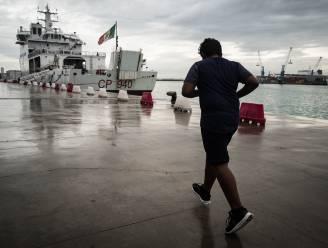 """Op deze pier zei Italië """"nee"""" tegen bootvluchtelingen. Wat is er sindsdien veranderd?"""
