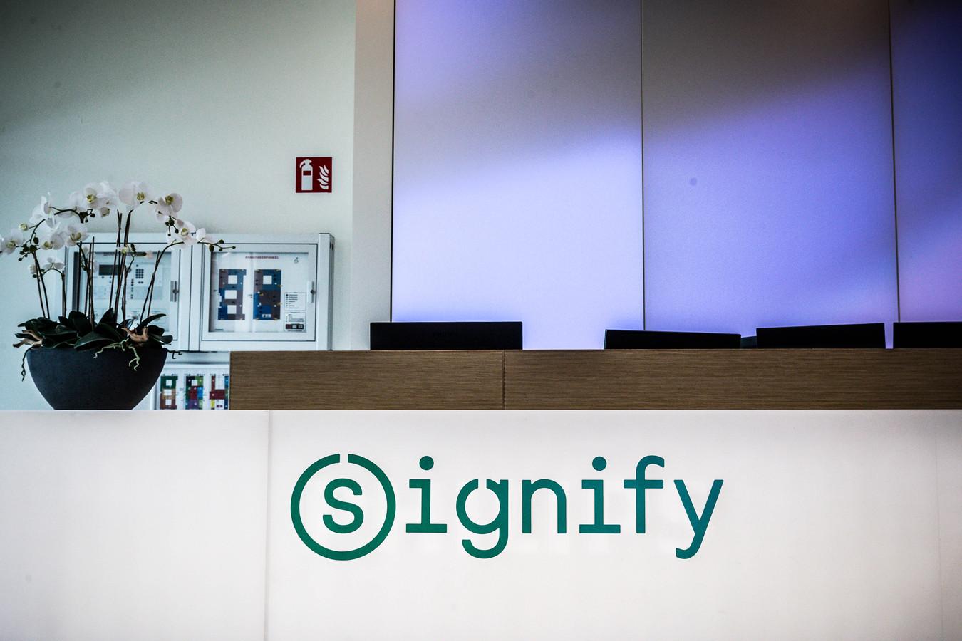 De Nederlandse verlichtingsfabrikant Signify gaat zijn aanbod van UV-lampen die virussen doden uitbreiden.