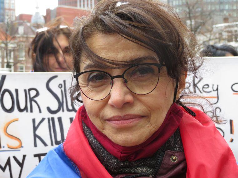 Tante Svetlana: trouwste demonstrant. Beeld