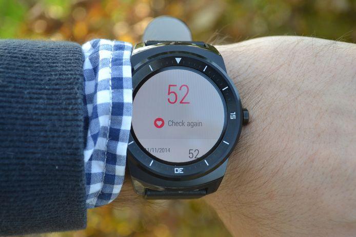 De smartwatch van LG meet ook je hartslag. Ideaal voor applicaties zoals Runkeeper en Runtastic.