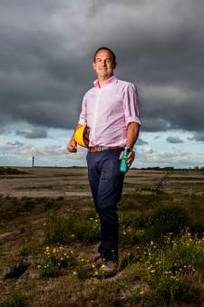 Oliebedrijf? Nee, midden in de Rotterdamse haven komt een fruitsapfabriek