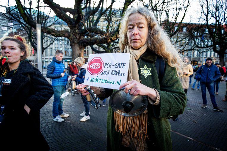 DEN HAAG - Demonstranten tegen de Coronamaatregelen.  Beeld Hollandse Hoogte/Guus Schoonewille