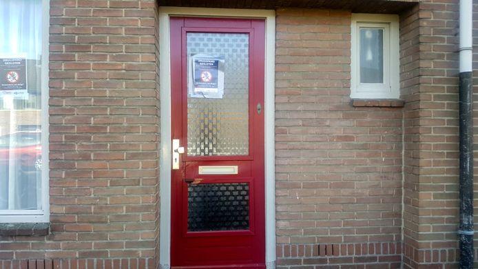 De woning van de verdachte is op last van de burgemeester gesloten.