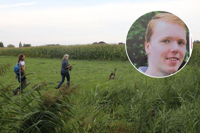 De zoektocht naar de vermiste Dennis in Apeldoorn wordt uitgebreid.