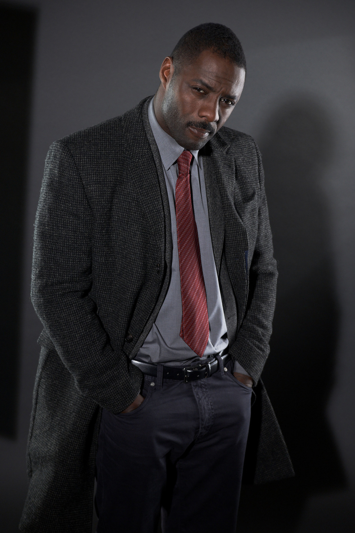"Idris Elba (DCI John Luther) in TV serie ""LUTHER"" - saison 2 - (2011)"