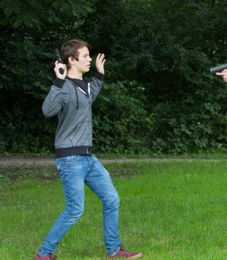 Jongen (16) aangehouden om nep-vuurwapen in Rilland