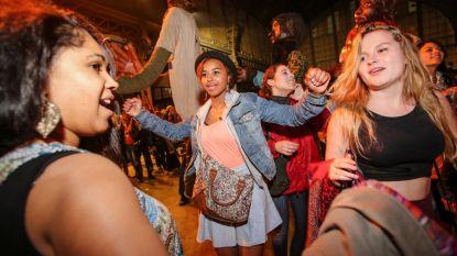 MIVB-pendelbussen brengen feestvierders Couleur Café veilig thuis