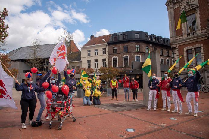 KLJ Wetteren trok feestelijk door het centrum.