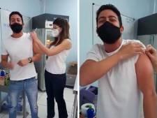 """Goaaaaal!!!"": un journaliste brésilien commente sa vaccination comme un match de football"