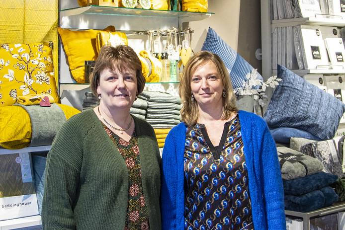 Het besluit de aandacht volledig te richten op de winkel in de Haarstraat brengt veel rust voor de zussen Erna (links) en Anja.