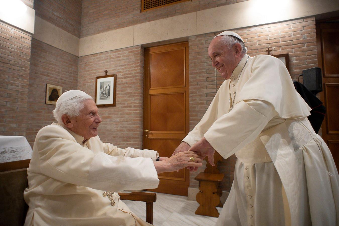 Le pape émérite Benoît XVI et le pape François (28 novembre 2020)