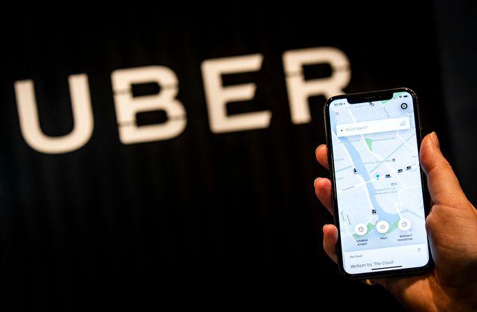 De populaire taxi-app Uber is vanaf dinsdag ook te gebruiken in Gelderland! Chauffeurs gaan vanaf dan rijden in Arnhem en Nijmegen.