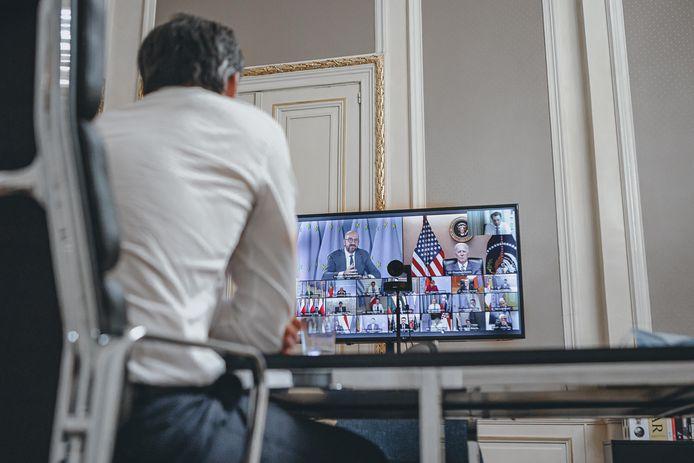 Alexander De Croo en vidéoconférence avec les dirigeants européens et Joe Biden.