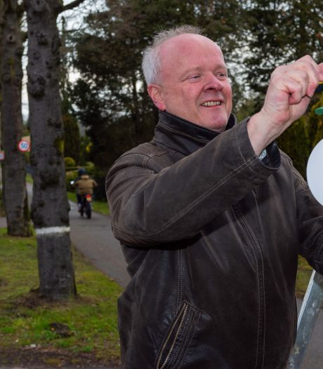 Racebaan in Epe nog onveranderd na klachten: bewoners hangen vogelhuisjes met snelheidslimiet op