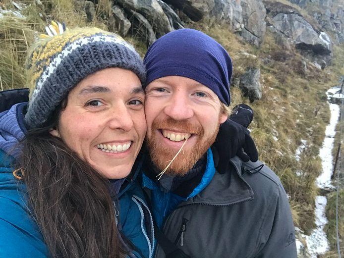 Huisarts Jochem Cuypers en thuisverpleegster Kim Broux mogen in de Noorse provincie Trøndelag zelfs in winkels hun mooiste glimlach tonen — zonder mondmasker dus.