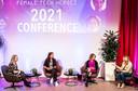 Tech topvrouwen met elkaar in gesprek  tijdens Female Tech Heroes, van links naar rechts: Ingelou Stol (HTCE), Evita Stoop (IBM), Sheila Leenders (ASML) en Astrid Balsink (Philips).