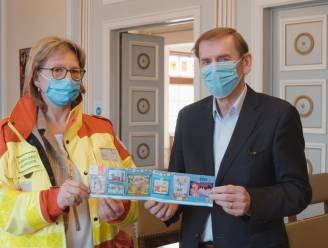 """Rode Kruis Ronse-Kluisbergen verkoopt stickers: """"Om te kunnen blijven helpen, nu en in de toekomst"""""""