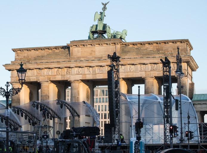 Voorbereidingen voor de viering van Oud en Nieuw bij de Brandenburger Tor in Berlijn.