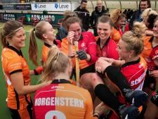 Bijzonder afscheid clubicoon Daphne van der Velden bij Oranje-Rood: 'Daffie bedankt'