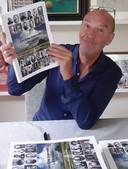 Journalist Gerrit Wolters met zijn boek over de familie Groeneveld.