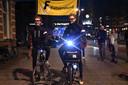 De uit Drachten afkomstige diabetespatiënten Sam Mebius en Dennis Smit hebben hun fietstocht vanaf het Abe Lenstra Stadion in Heerenveen naar de bakermat van de Bossche bol volbracht.