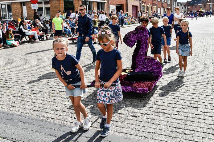 Met meer dan tien kleine wagentjes was ook de Kindercorso een succes.