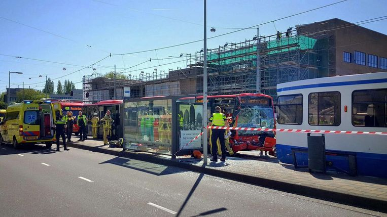 Bij het ongeval raakten 14 mensen gewond. Beeld RV