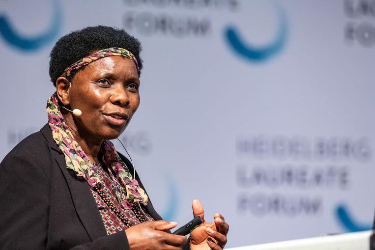 Opha Pauline Dube: 'Waarom gebruiken we de rijkdom, die in handen is van een kleine minderheid, dan niet om nieuwe, groene industrieën te ontwikkelen? In plaats van nog steeds verder te gaan met fossiele brandstoffen? Dát moeten we bespreken op die klimaatconferenties.' Beeld Christian Flemming
