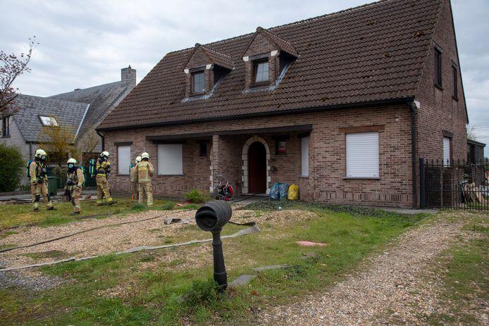 Na de brand werd de woning grondig verlucht.