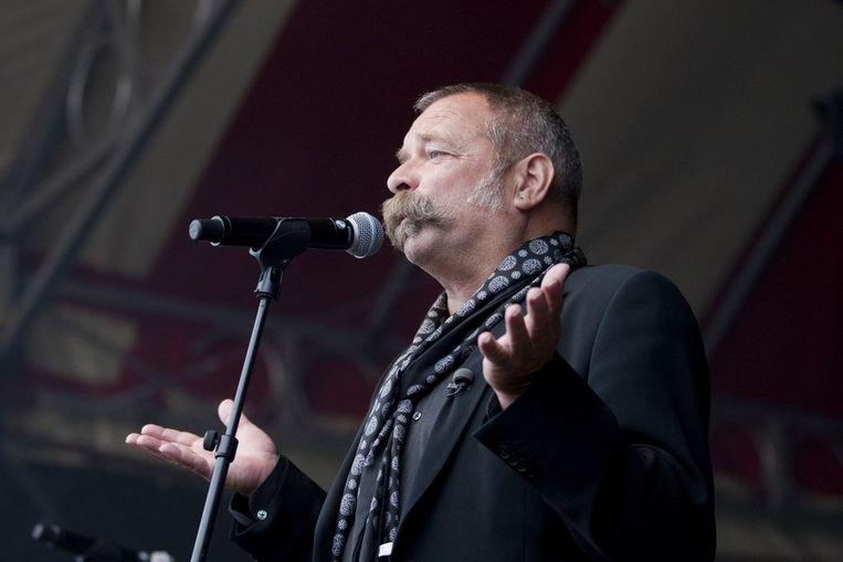 Tijdens een openingswoord op het Oerol festival. Beeld ANP