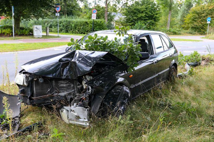 De bestuurder van deze auto heeft de plek van het ongeval mogelijk gewond verlaten.