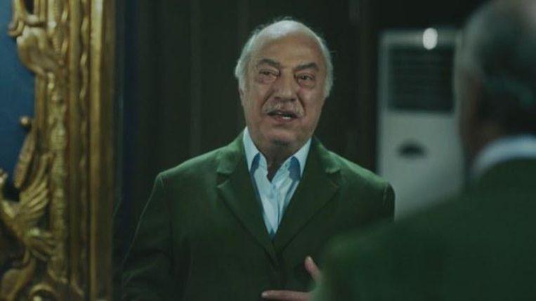 De slechterik in de film lijkt als twee druppels water op Gülen. Zijn aanhangers reageren bezorgd. Beeld RV
