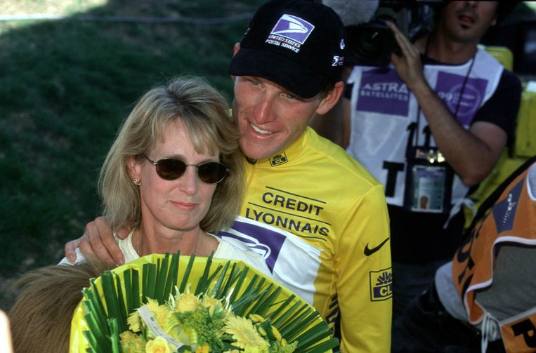 Lance met moeder Linda.