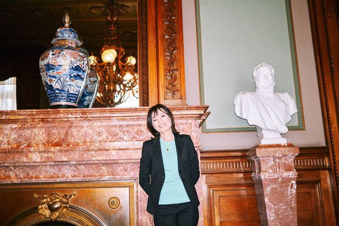 Linda De Win: 'Ze zijn bezig met mijn opvolger, ja. Maar de komende twee maanden 'Villa Politica' zijn nog van mij.'