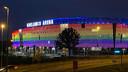 De Ghelamco Arena in regenboogkleuren