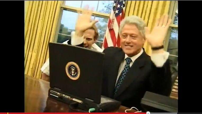 Still van de video van de laatste dagen in het Witte Huis van Bill Clinton. Beeld YouTube