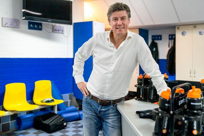Manager voetbalzaken Jan Gösgens van FC Den Bosch hoopt nog deze week rond te komen met een interim-trainer.