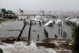 fotoreeks over Orkaan Michael trekt over Verenigde Staten