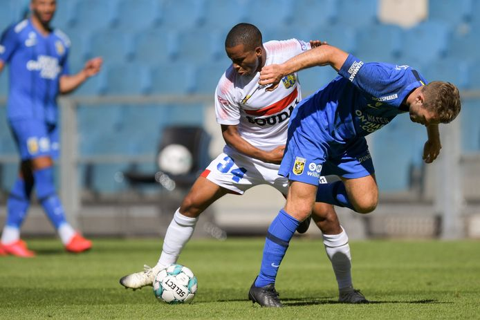 Westerlo en Kurt Abrahams op 31 juli in actie in de oefenmatch tegen Vitesse.