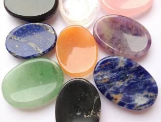 Kristallen duimstenen zijn de nieuwe stressballen