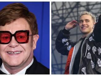 Elton John en Olly Alexander hinten op optreden op BRIT Awards