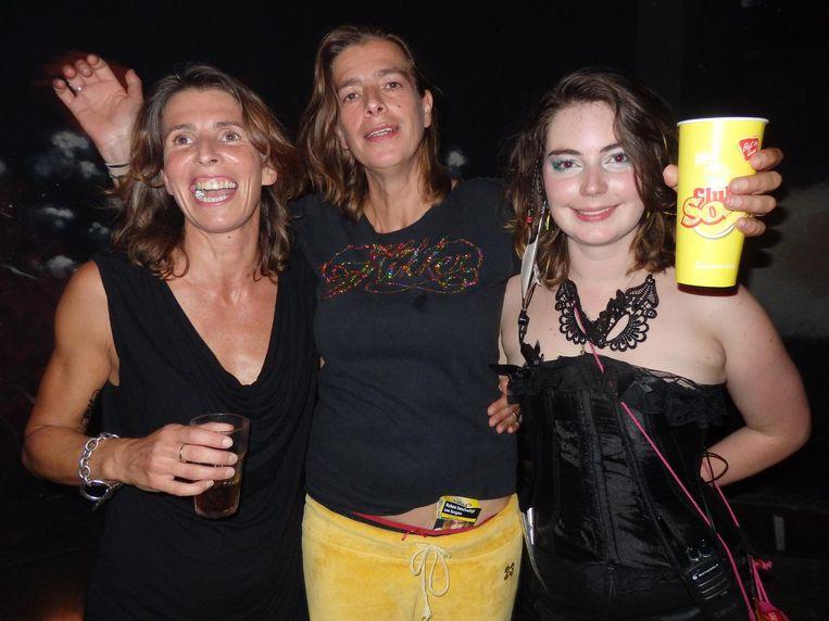 Girlpower: Silvia, Mevrouw van Bemmel en Doornroosje (vlnr). Beeld Hans van der Beek