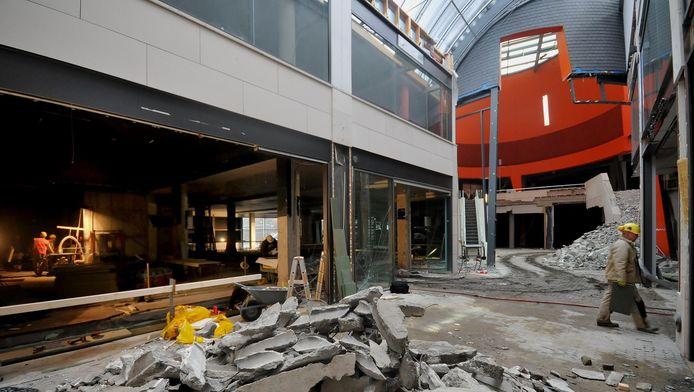 De verbouwing van winkelcentrum Drievriendenhof is in volle gang.