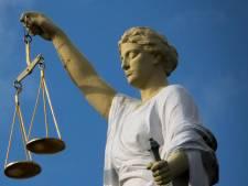 Gevangenisstraf geëist na afpersing om drugsgeld: 'Je kop gaat eraf!'
